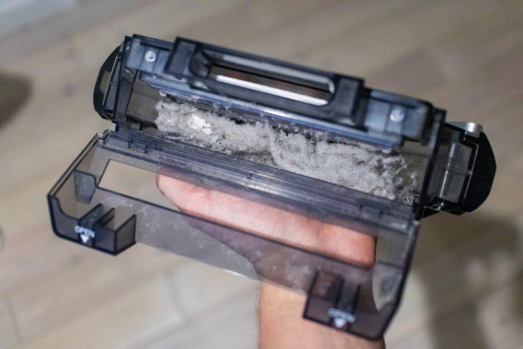 Пылесборник у iBoto X610G Smart Aqua и Gutrend Smart 300
