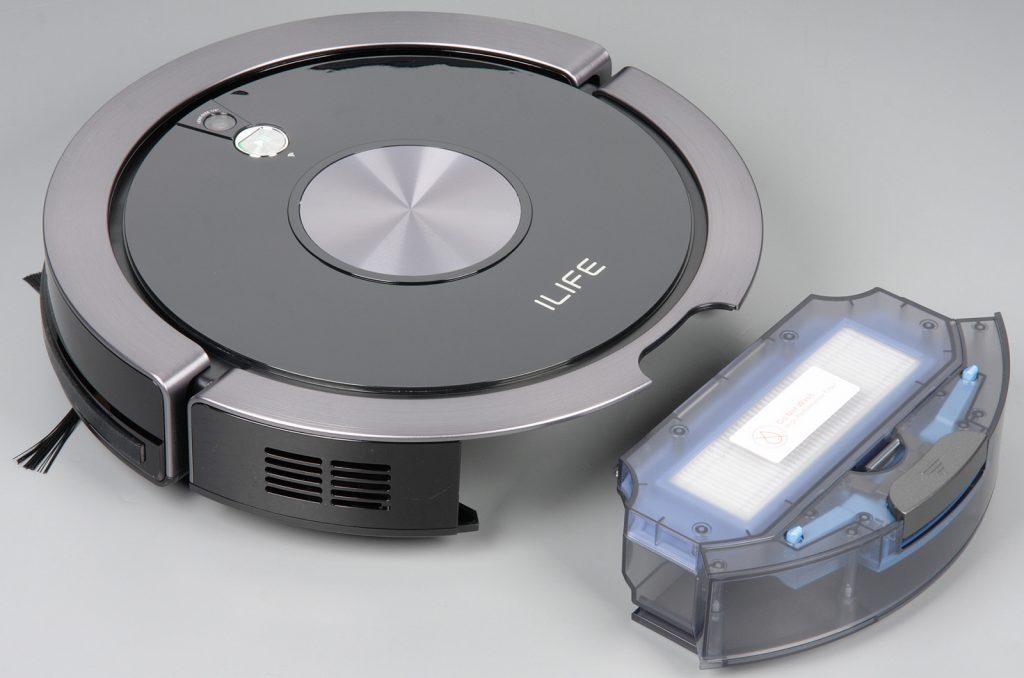 Пылесборник у iLife A9s достается сзади