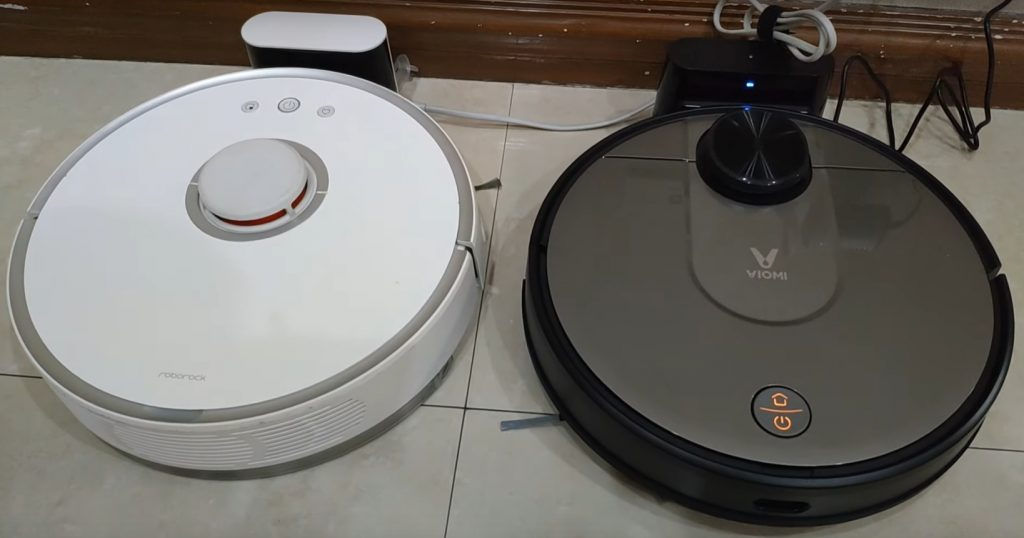 Roborock S50 vs Xiaomi Viomi Cleaning Robot Black