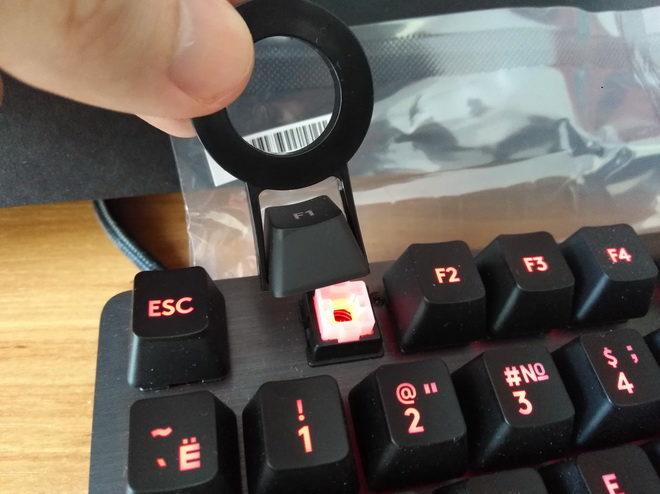 снятие кейкапов Logitech G413 Carbon Black USB