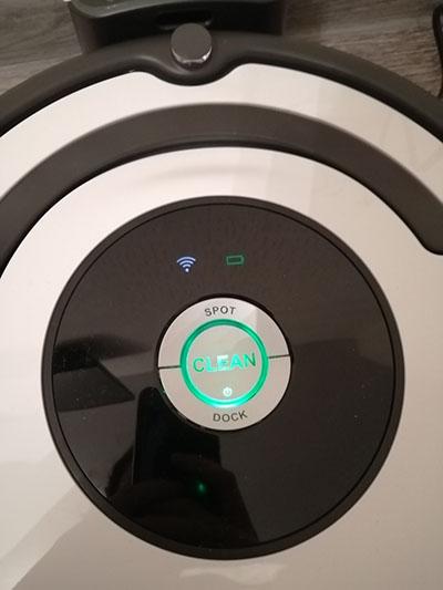 панель управления робота пылесоса irobot-roomba-675